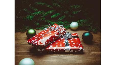 Weihnachtsgeschenke: Kunden und Mitarbeiter überraschen